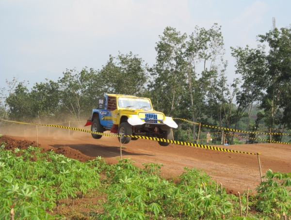 Round 3 Indonesia X-Offroad Racing Championship 2014 Held Successfully Despite the Puting Beliung