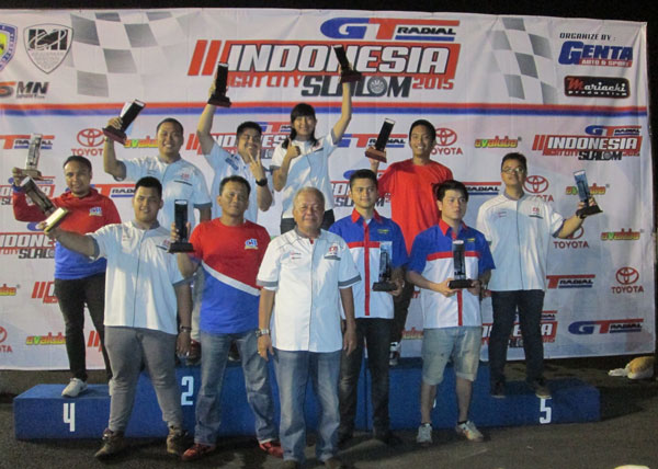 Alinka from TTI Shows Her 'Girl Power' in  GT Radial Indonesia Night City Slalom 2015 1st series