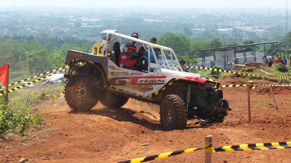 GT Radial Savero Komodo Proved Its Performance in the Second Series of Indonesia Xtreme Adventure 4x4 Team 2014<br>
